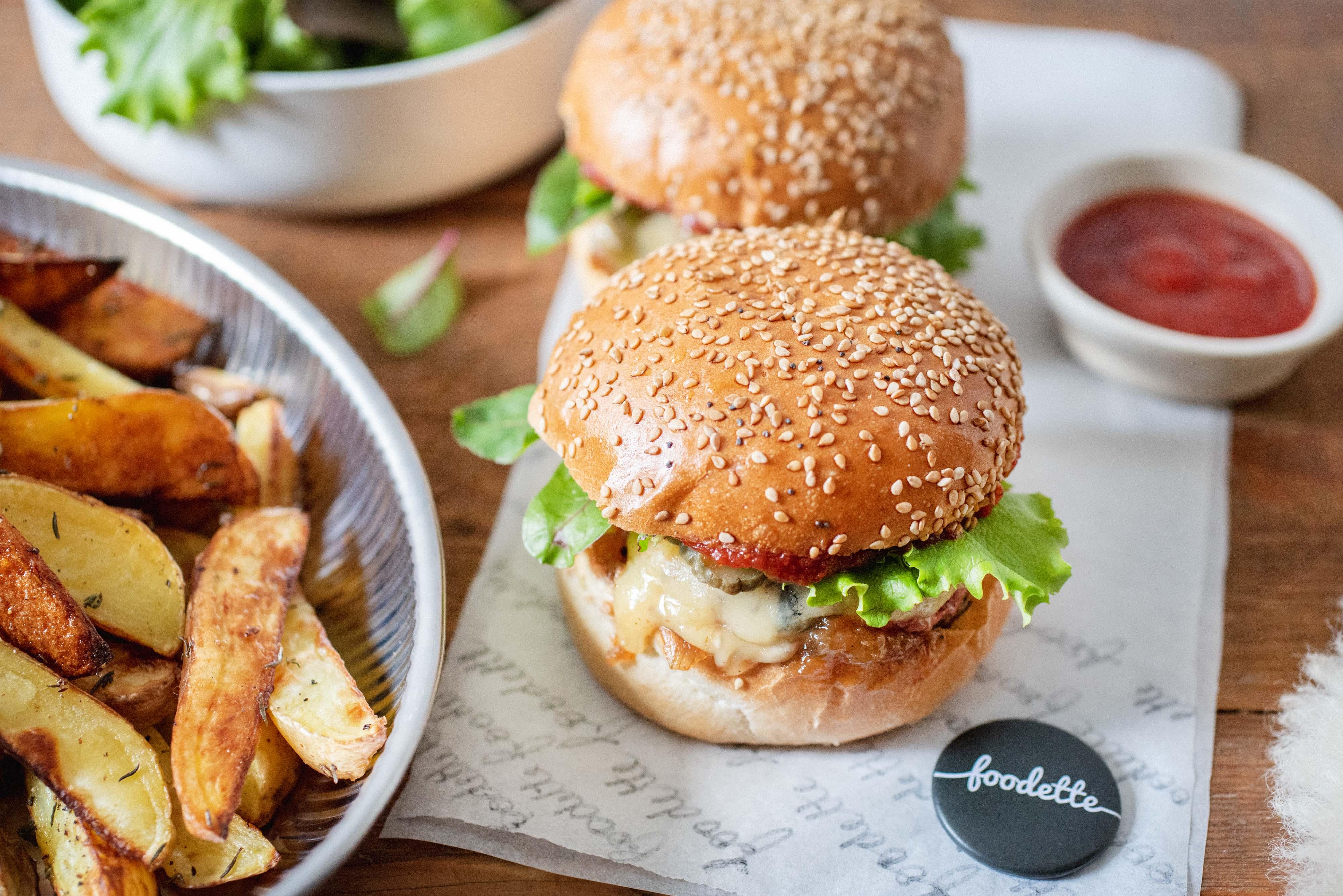 Burger montagnard au Morbier fondant