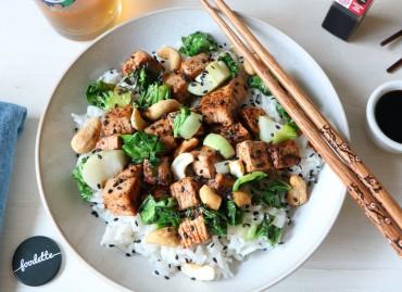 Tofu caramélisé, pak choï et riz parfumé