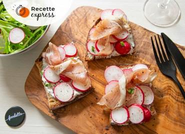 Bruschetta de saison : radis, fromage frais aux herbes, Lomo