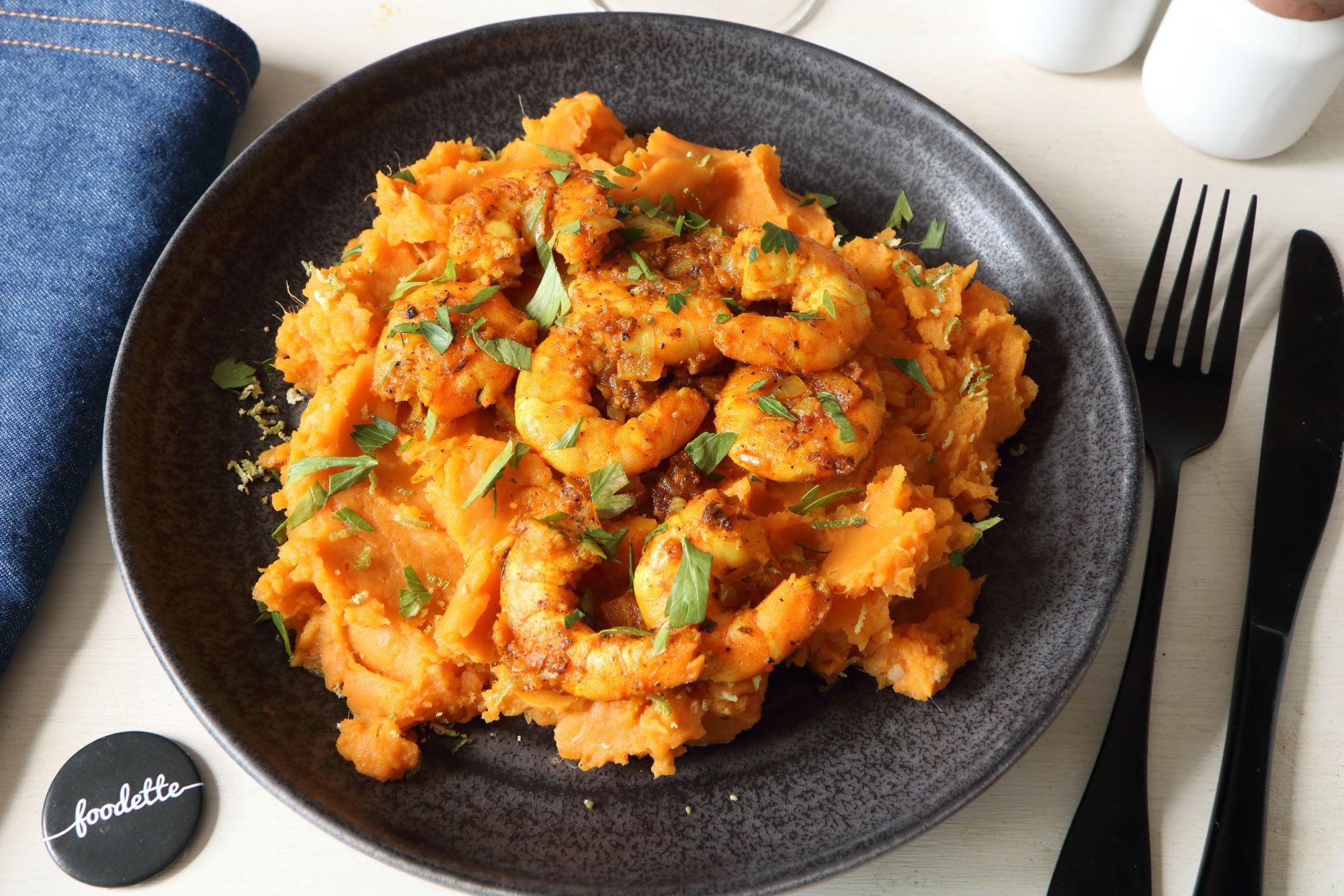 Crevettes cajun sautées et mashed sweet potatoes