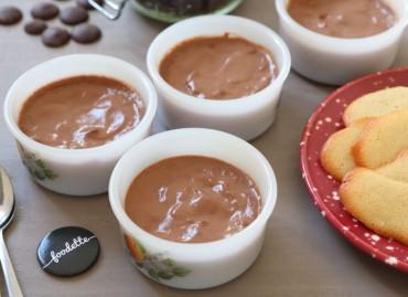 Petites crèmes au chocolat et fève tonka