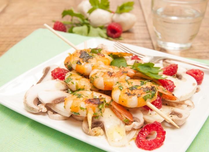 Crevettes persillées et carpaccio champignons - Framboises