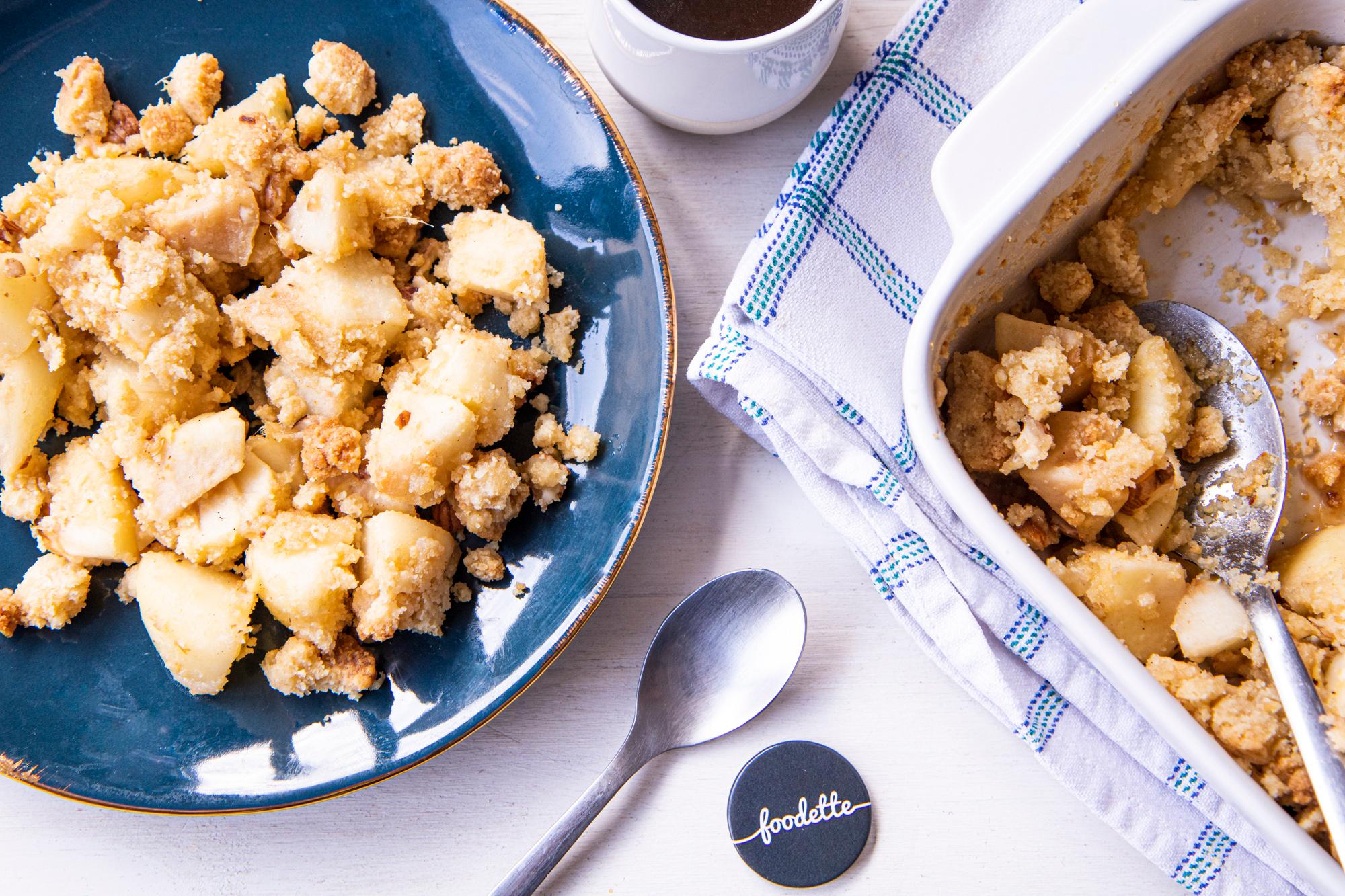 Crumble pommes/poires, gingembre et noisettes