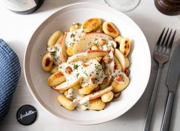 Gnocchi, crème Gorgonzola/thym, pommes et noisettes