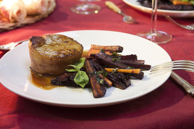 Grenadin de veau acidulé cherche carottes noires glacées