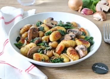 Gnocchi poêlés aux champignons et épinards