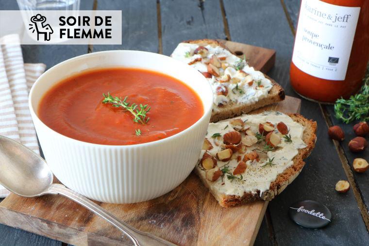 La soupe provençale, tartines au fromage frais et noisettes