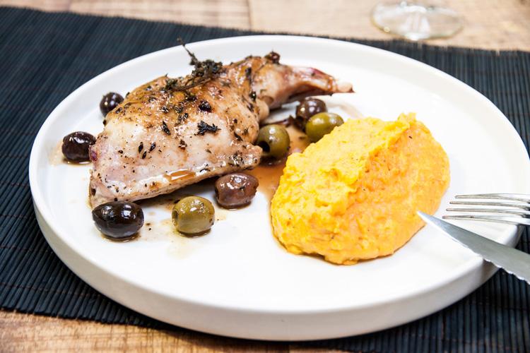 Lapin aux olives et sa purée bonne mine