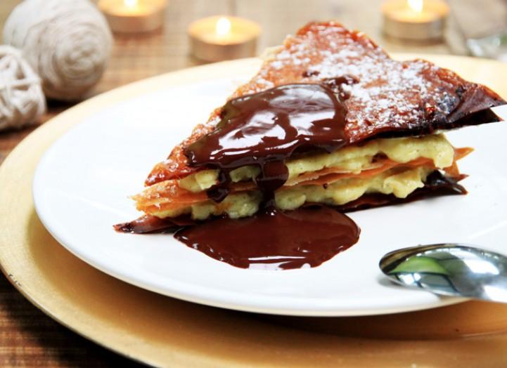 Mille-Feuille à la Vanille de Mada' et sauce chocolat-Tonka