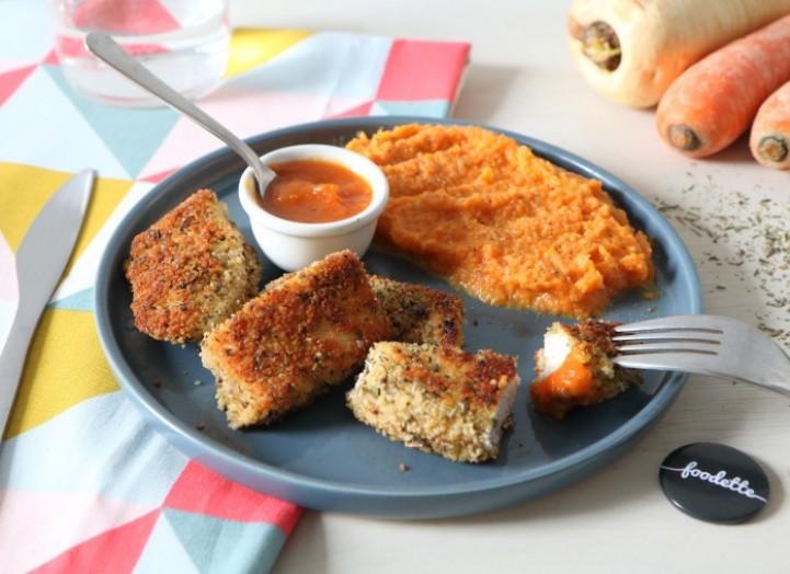 Nuggets maison, ketchup à la carotte et purée colorée