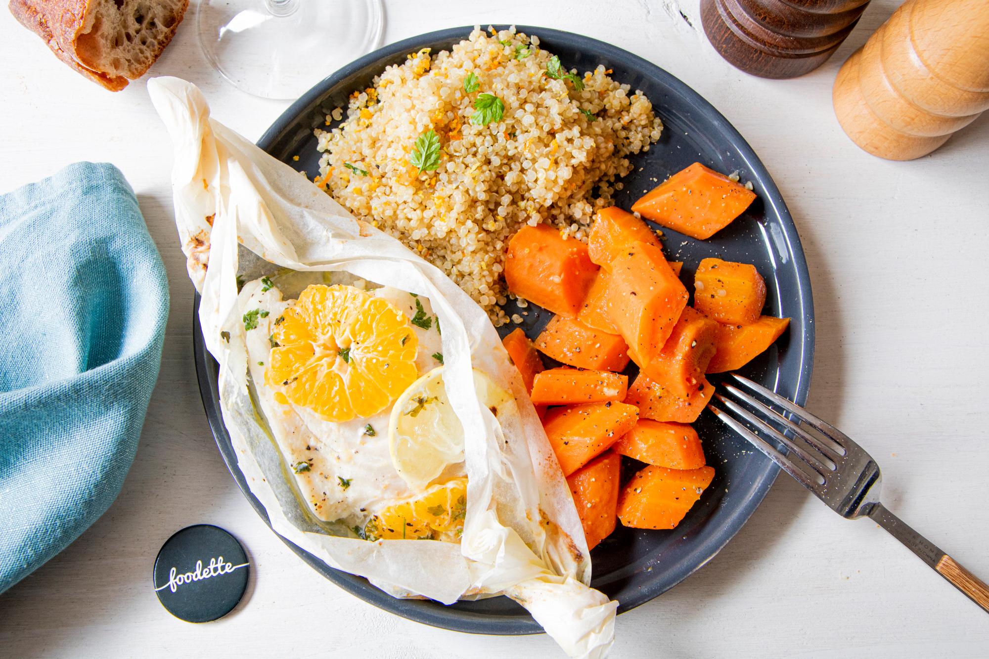 Papillote de poisson aux agrumes, quinoa et carottes glacées