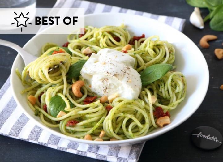 les spaghettis au pesto verde et mozzarella di bufala la recette de les spaghettis au pesto. Black Bedroom Furniture Sets. Home Design Ideas