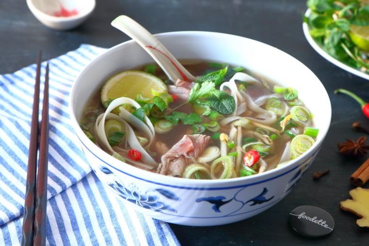 """Le """"Phở"""", la fameuse soupe vietnamienne au boeuf"""