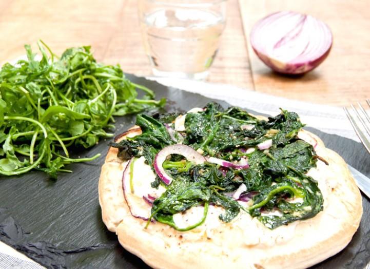 Pizza-Pita blanche aux épinards