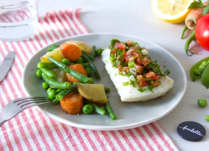 Poisson sauce vierge d'été et légumes glacés