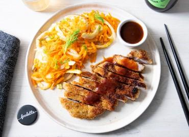 Porc pané façon Tonkatsu et poêlée de légumes au sésame