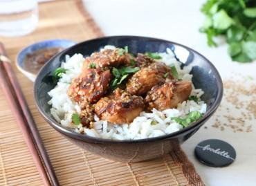 Poulet miel-sésame et riz parfumé au gingembre