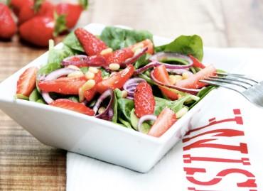 Salade de fraises et pousses d'épinard