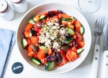 Salade Crétoise à la Feta rôtie