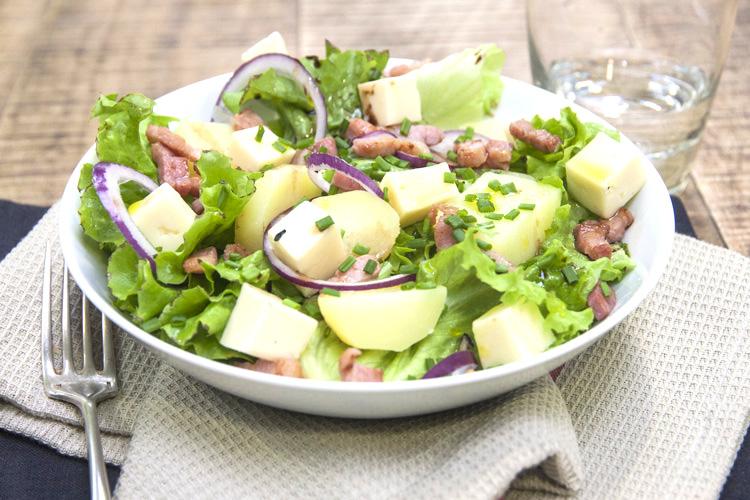 Salade savoyarde à la Tomme de Savoie