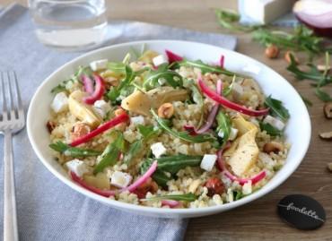 Salade printanière au Manouri et aux pickles maison