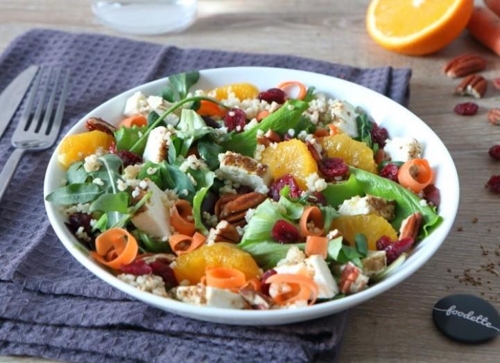 Salade colorée au millet et à la feta rôtie