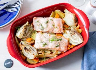 Saumon et trio de légumes rôtis au four