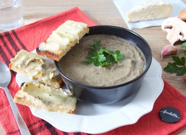 Velouté de champignons et tartines au brie de Melun