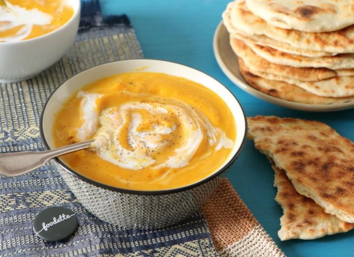 À l'est : Velouté curry/coco et pain naan maison