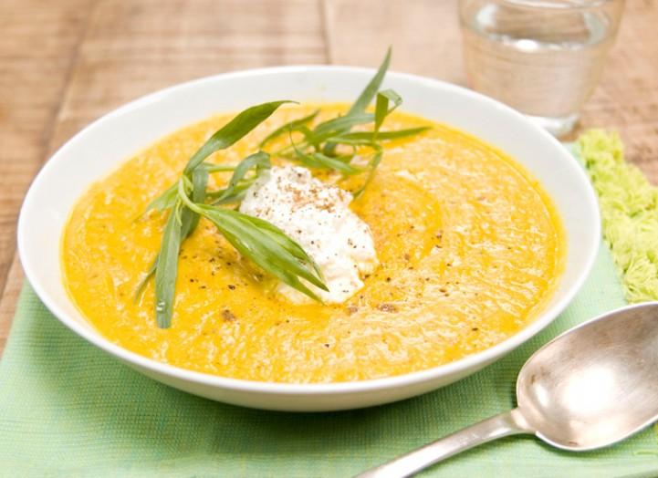 Soupe carottes-ricotta à l'estragon
