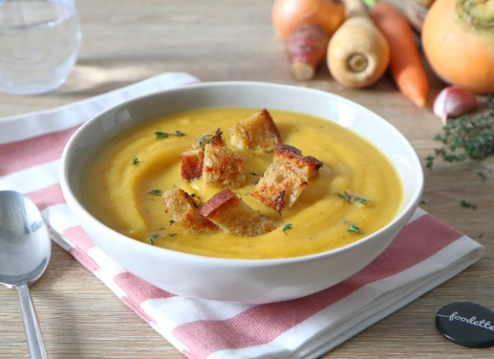 Soupe aux légumes oubliés et croûtons à l'ail