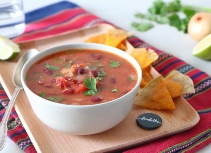 Sopa mexicana et nachos maison au cheddar