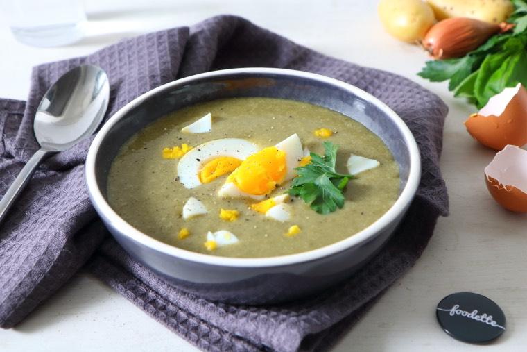 soupe polonaise l 39 oseille la recette de soupe polonaise l 39 oseille foodette. Black Bedroom Furniture Sets. Home Design Ideas