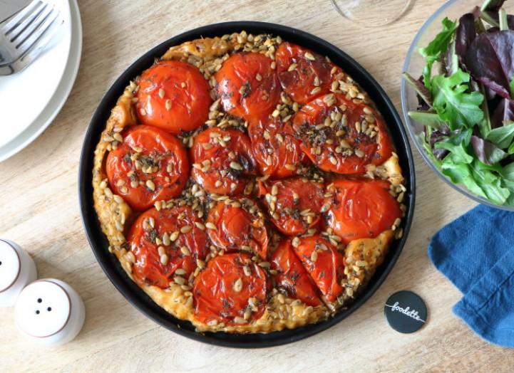 Tatin de tomates aux herbes sauvages