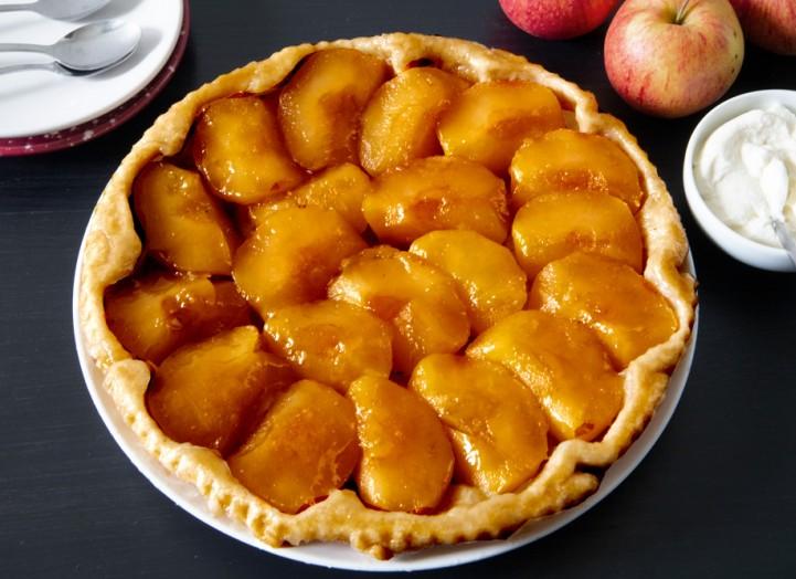 Renversante tarte aux pommes et crème fraîche
