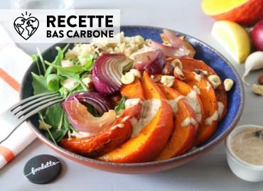 Veggie bowl au potimarron rôti et sauce amande