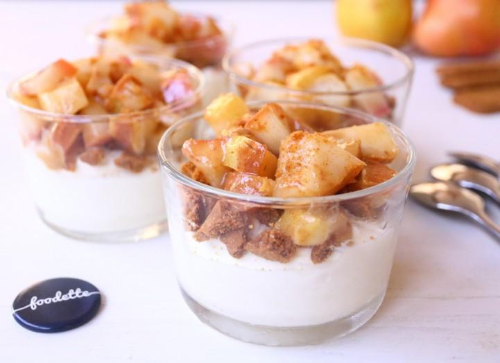 Mousse au chocolat blanc, spéculoos et poire aux épices d'hiver
