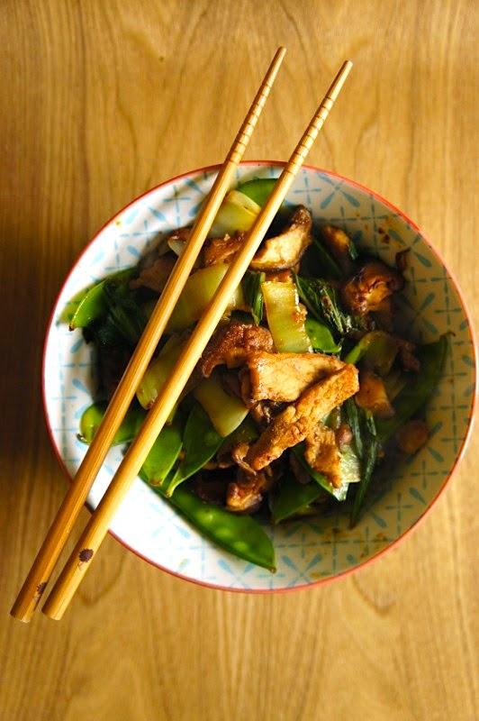 Wok express de porc aux légumes et au saté