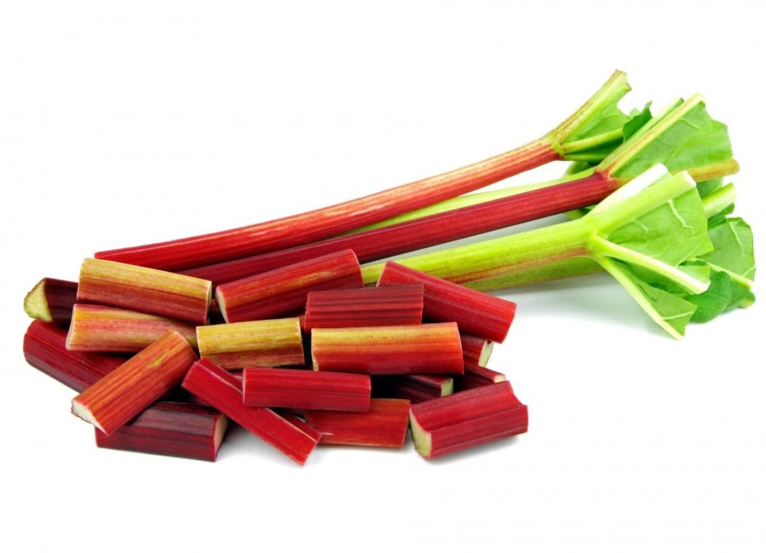 Comment plucher de la rhubarbe foodette - Comment cultiver de la rhubarbe ...