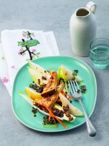 Salade de lentilles, poires, endives et tofu fumé