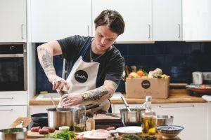 Jarvis Scott en cuisine avec Foodette